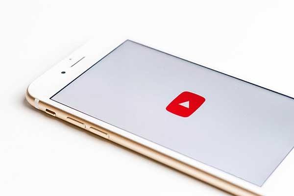 video-marketing-youtube-iphone